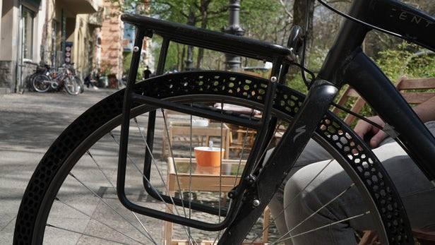 Start-Up BigRep, cũng là một hãng máy in 3d khổ lớn tại Đức đã ứng dụng máy in 3d của họ để in ra lốp của chiếc xe đạp. Với khối lượng nhẹ hơn và đặc biệt..