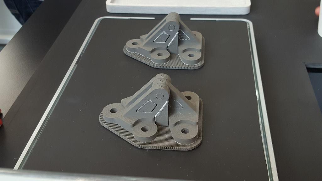 Công nghệ in 3D FDM là công nghệ in phổ biến nhất hiện nay. Với máy in 3D FDM đơn giản dễ dàng lắp ráp, sử dụng và vật liệu in 3D FDM dễ mua, giá rẻ.