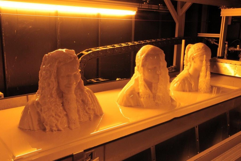 Sản xuất in 3D | Sản xuất in 3D là thuật ngữ tương đối mới cho việc in 3D hàng loạt nhỏ hoặc sản xuất khuôn đổ sản phẩm nhựa dựa trên nền tảng công nghệ in 3D.