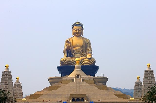 Tượng Phật Giáo nhựa composite, Tượng Phật Giáo Gỗ, Tượng Phật Giáo Đồng, Tượng Phật Hán Bạch Ngọc & Gốm Tử Sa, Phù Điêu - Hoa Văn Phật Giáo. Tượng Đức Phật Thích Ca Mâu Ni Tượng phật bổn sư thích ca Tượng tây phương tam thánh TượngĐức Phật Di lặc Tượng Quan Âm Bồ Tát Tượng Địa Tạng Vương Bồ Tát Tượng Đức Phật A di đà Tượng tứ đại thiên vương Tượng Chuẩn Đề Tượng Thiên Thủ Thiên Nhãn Bồ Tát Tượng Tiêu Diện & Hộ Pháp Tượng Thập Bát La Hán & Tượng thập nhị dược xoa Tượng Thánh Tăng Sivali Tượng Phật Dược Sư Tượng Phật Đản Sanh Tượng Văn Thù Và Phổ Hiền Bồ Tát Tên gọi của những vị Phật, Bồ Tát thường gặp: Đức Phật Thích Ca Mâu Ni / Đức Phật A Di Đà/ Đức Phật Di lặc / Bồ Tát Quán Thế Âm /Bồ Tát Đại Thế Chí /Bồ tát Địa Tạng /Đức Phật Dược Sư /Phật Mẫu Chuẩn Đề /Bồ Tát Thiên Thủ Thiên Nhãn /Bồ tát Văn Thù Sư Lợi /Bồ Tát Phổ Hiền. Câu hỏi thường gặp: Cách thỉnh tượng phật về thờ? Nên thờ tượng phật nào trong nhà? Bao nhiêu tuổi mới được thờ phật? Thỉnh tượng phật đẹp thờ trong nhà ở đâu? Nơi thỉnh tượng phật đẹp, uy tín? Nơi thỉnh tượng phật cao trên 2 mét ở đâu uy tín? Cách đặt tượng phật di lặc trong nhà? Cách đặt tượng phật di lặc trên bàn làm việc như thế nào cho đúng? Tượng phật di lặc bằng gỗ Đài Loan đẹp ở đâu? Cách thỉnh phật di lặc về nhà như thế nào? Tượng phật gốm sứ có thể thỉnh ở đâu? Tượng phật gốm tử sa Đài Loan đẹp nhất thỉnh ở đâu? ......đang cập nhật Hân hạnh được đón tiếp và hợp tácvới quý thầy, quý sư cô, khách hàng để cùng tạo ra những tác phẩm phật giáo hoàn hảo, hợp ý quý vị. Nguyễn Cường: 0888.7999.38 / cuongnv.tech@gmail.com ( 24/7 ) Website:http://38co.vn/